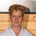 Annika G Bernhardt